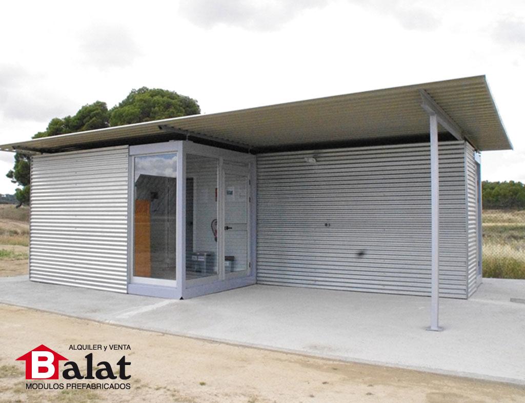 Caseta prefabricada de control en instalaci n solar for Casetas de chapa para jardin usadas
