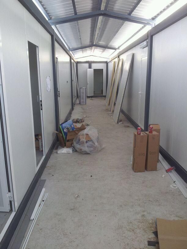 Oficinas prefabricadas para el montaje de un laboratorio for Oficina prefabricada