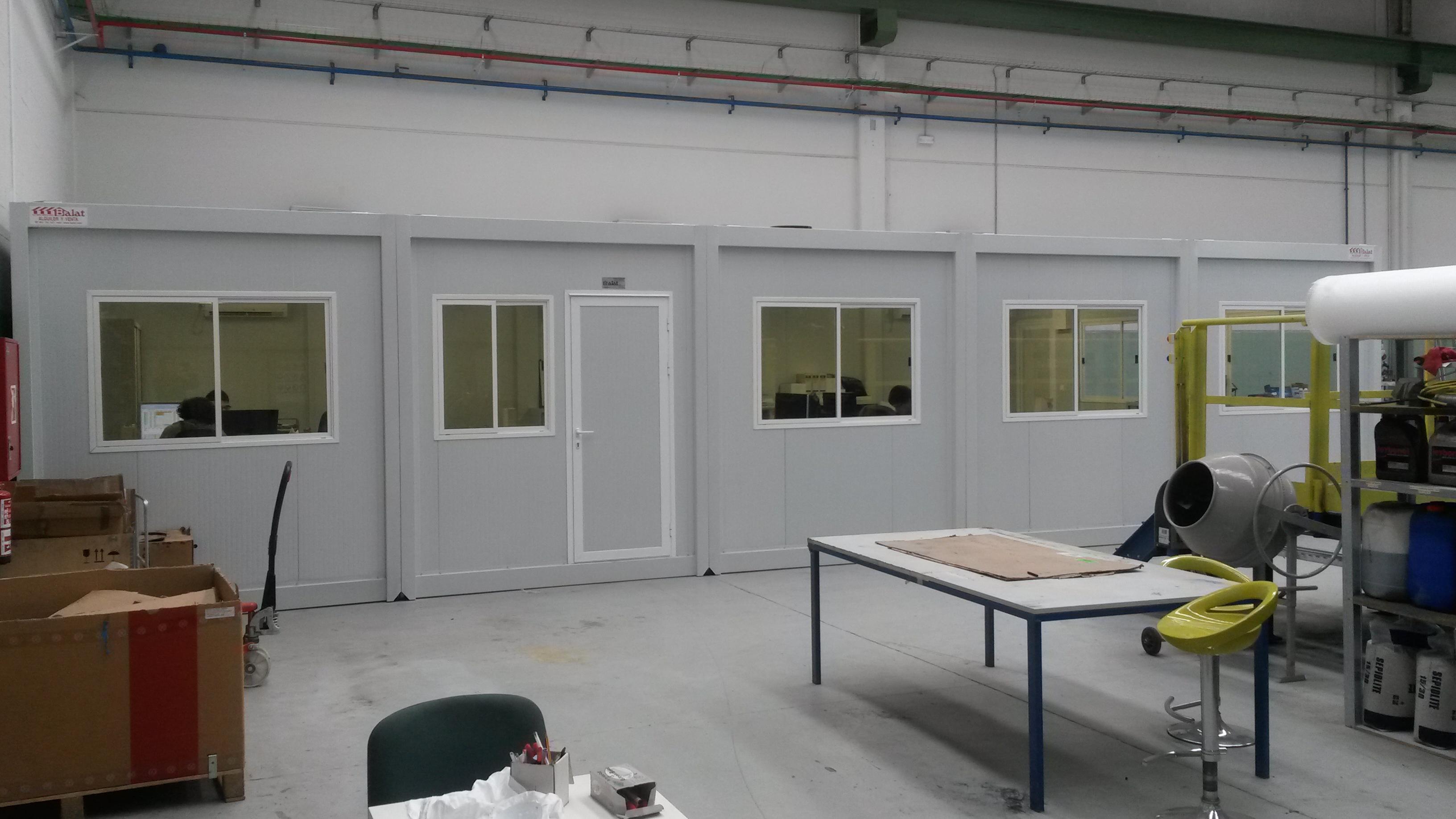 Casetas de obra casetas prefabricadas alquiler caseta for Oficina prefabricada