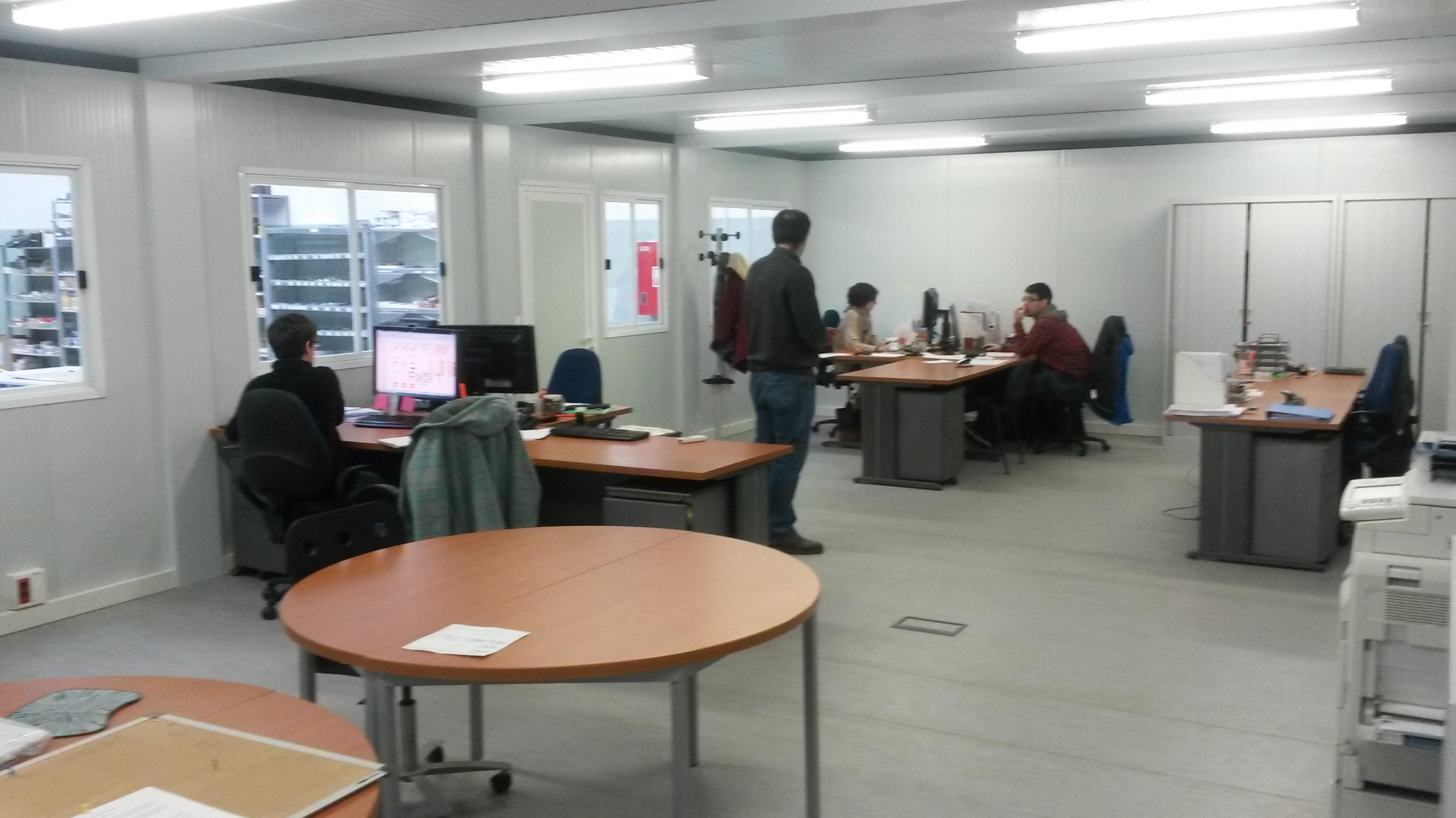 Balat oficinas modulares de interior en novargi balat for Construccion de oficinas modulares